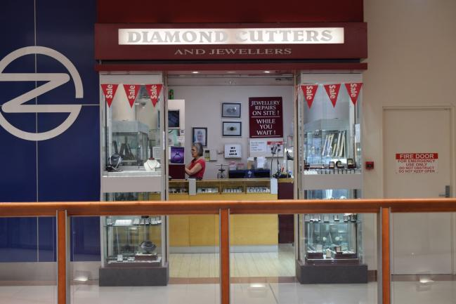 Jewellery retail store with workshop image