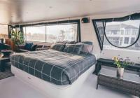 Houseboat [luxury] hire business for sale...Business For Sale