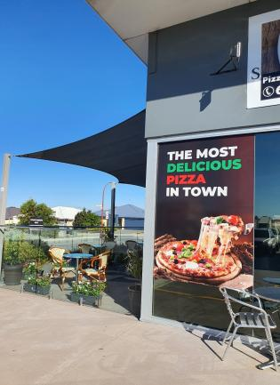 AMAZING PIZZERIA/CAFÉ IN TOP LOCATION thumbnail 1