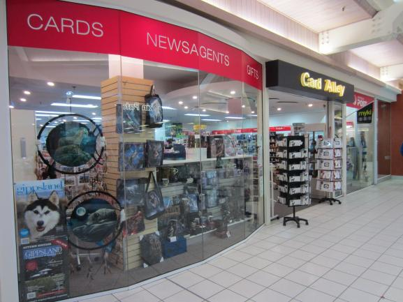 Busy LPO/Card&Gift/Newsagent in large shopping centre image 9