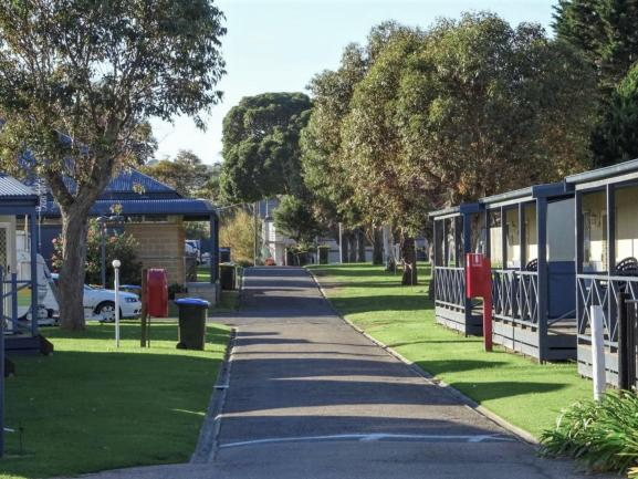 Caravan Park - 2.9 acres prime of prime real estate. image 2