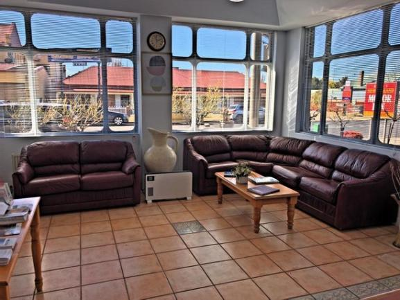 19 Room inner city leasehold motel in the NSW city of Armidale is offered for sale. image 3