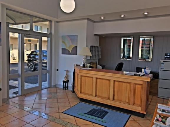 19 Room inner city leasehold motel in the NSW city of Armidale is offered for sale. image 4